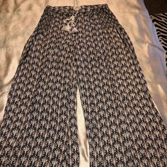 O'Neill Pants - Super comfy wide leg pants